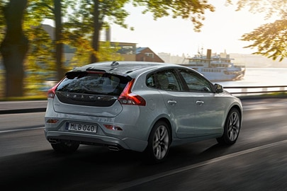 volvo v40 specifications volvo cars. Black Bedroom Furniture Sets. Home Design Ideas